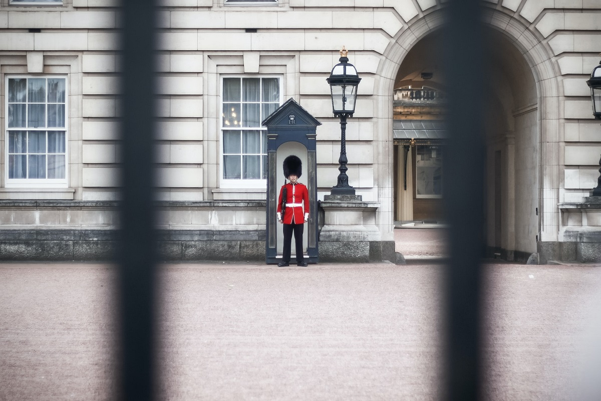 Soldier in Queen's Guard outside Buckingham Palace