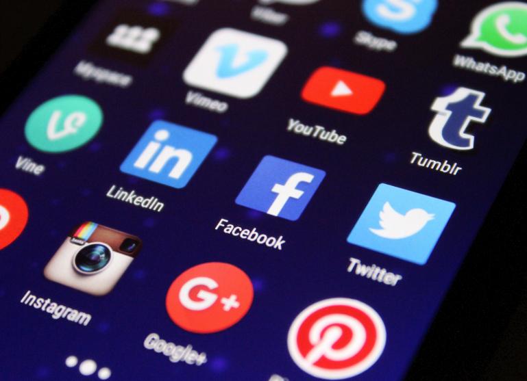 logos des différents médias sociaux