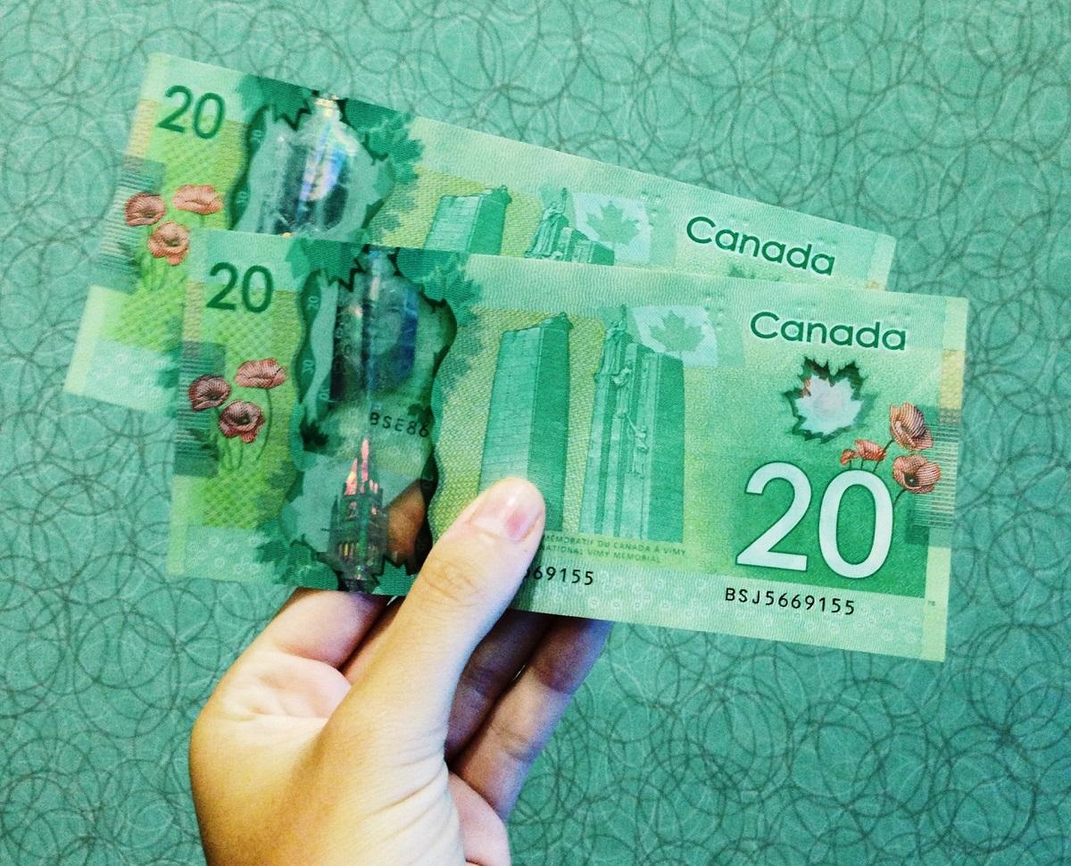 20 dollar Canadian bills