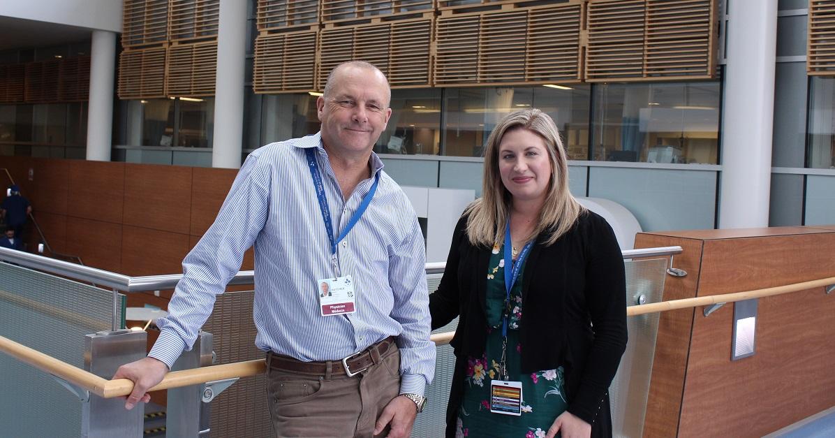 Dr Simon Hatcher et Valerie Testa