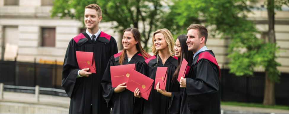 uOttawa Students graduating